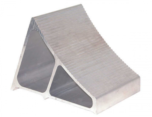 Aluminum Wheel Chock With Ribbed Slope 7 X 11 X 8in